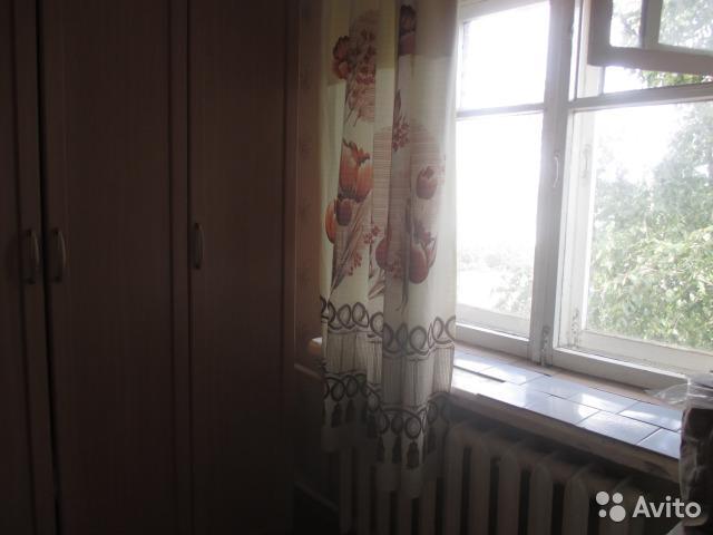 квартира в обычном состоянии. проходная комната. совмещенный санузел. трубы и са ...